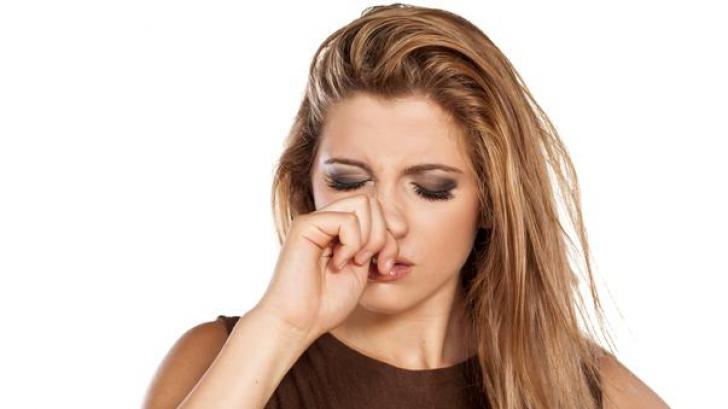 Ce înseamnă când te mănâncă nasul