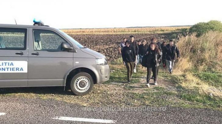 Grup de migranți oprit la granița cu Serbia in ziua de Crăciun. Surpriza polițiștilor de frontieră