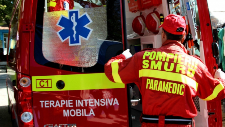 Accident pe DN14, la Brateiu. Trei autovehicule implicate, șase victime