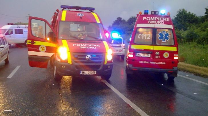 Accident grav în Prahova. Un microbuz s-a răsturnat: șase oameni au ajuns la spital