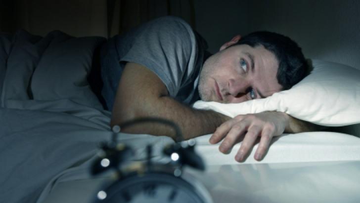 Ce se întâmplă cu tine atunci când nu dormi. E GROAZNIC! Mai faci așa ceva?