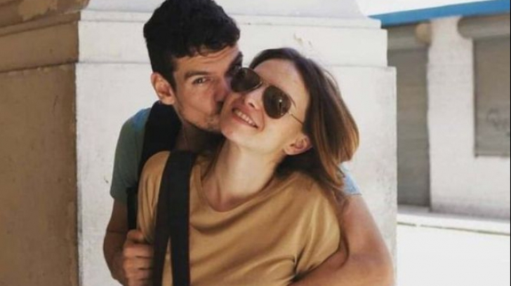 Poză rară cu Tudor Chirilă sărutându-și iubita