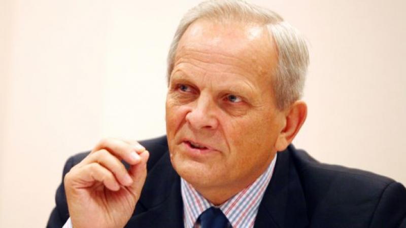 Stolojan, către Dăncilă, în PE: Convingeţi că România e pregătită să adere la Schengen