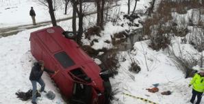 Microbuz cu pasaageri, accident cumplit în Bacău: un mort, 5 răniți