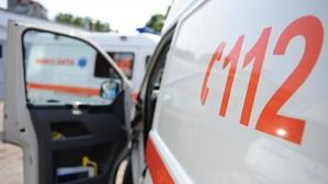 Microbuz cu pasageri, răsturnat pe un drum din Dolj. Patru persoane au ajuns la spital