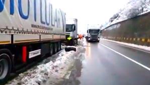 Coşmar pe E70, între Orşova şi Gura Văii. Maşini, distruse de craterele din asfalt