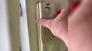 Descoperire terifiantă într-un telefon ascuns în perete. I-a înghețat sângele când l-a desfăcut