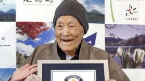 Cel mai bătrân bărbat din lume a murit în Japonia. Avea 113 ani