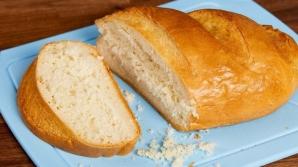 Cum să tai pâine fără să umpli masa de firimituri? Nimeni nu știa trucul acesta