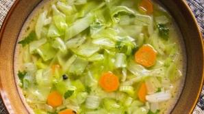 Supa de varză care te scapă de 5 kilograme. Ingredientul secret care îți lipsea din reţeta ta
