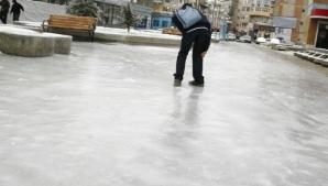 Cel mai simplu truc ca să nu aluneci pe gheață