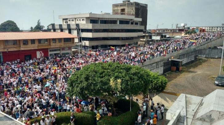 Conflict global în Venezuela. Armata mercenarilor ruși din Siria și Ucraina a ajuns la Caracas