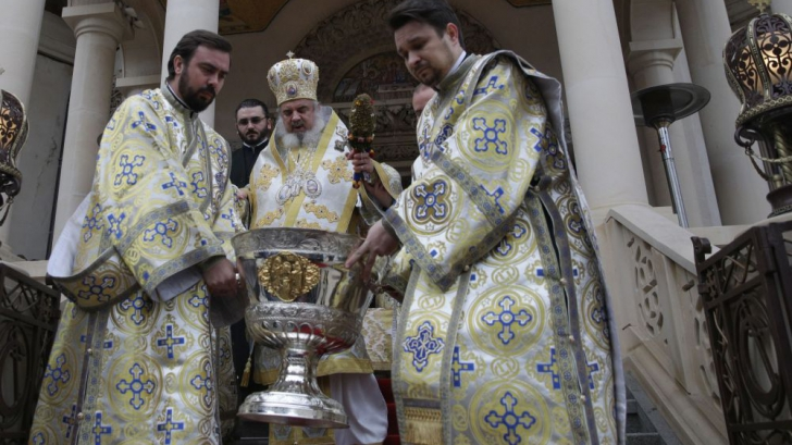 Patriarhul Daniel a ținut slujba de sfinţire a apei de Bobotează