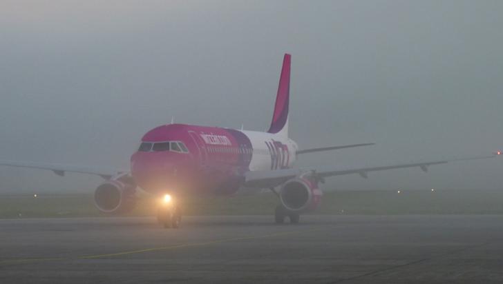 Aeroportul din Craiova, paralizat din cauza codului galben de ceaţă