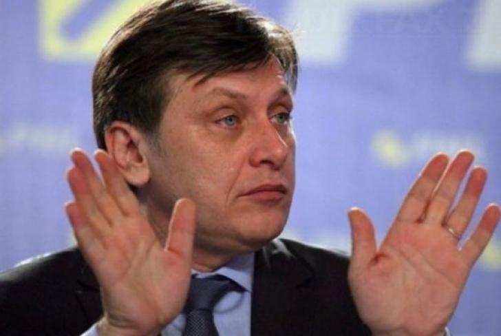 Surse: Motivul pentru care Antonescu NU ar fi acceptat pe listele PNL pentru europarlamentare