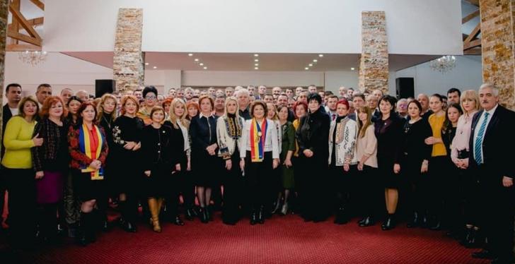 """Ca-n """"Epoca de Aur""""! PSD Dâmboviţa, strâns unit în jurul Rovanei Plumb"""