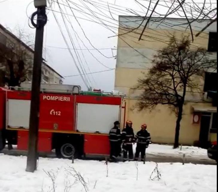 Video-Explozie într-un apartament din Câmpulung!