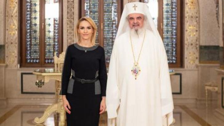 Patriarhul Daniel ar putea fi numit cetăţean de onoare al Capitalei. Actul, semnat de Gabriela Firea
