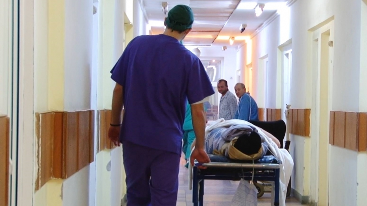 Gripa porcină mai a mai făcut o victimă: Un bărbat din Galaţi a murit