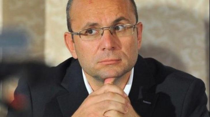 """Editorial Cozmin Gușă: """"Fenomenul Ploiești și tenebrele jocurilor de putere"""""""