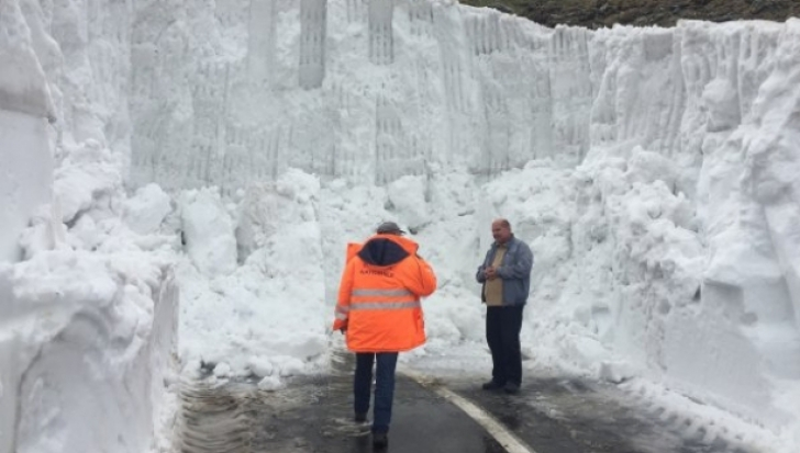 Zăpadă de 203 cm în România, după ultimul val de ninsori