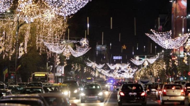 Răspunsul PMB la solicitarea realitatea.net: când se demontează iluminatul ornamental din București
