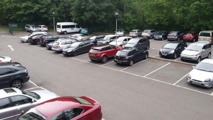 Ai parcat neregulamentar? Vei plăti peste 500 de lei pentru recuperarea mașinii!