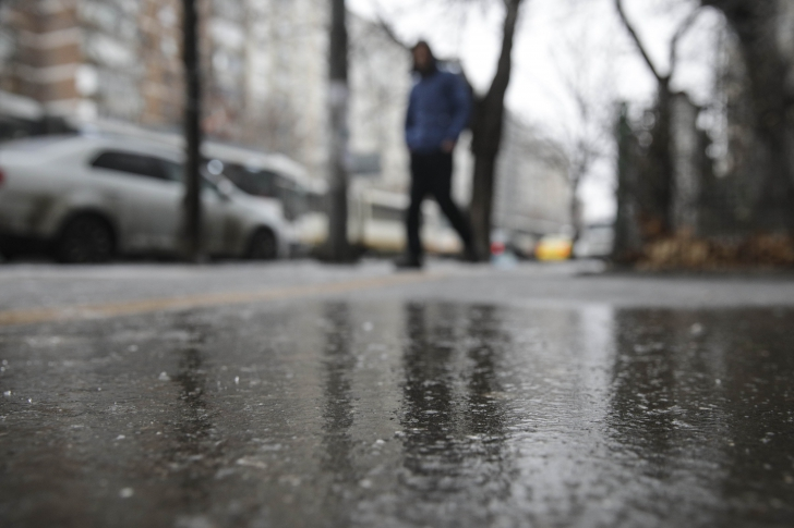 ploaie inghetata