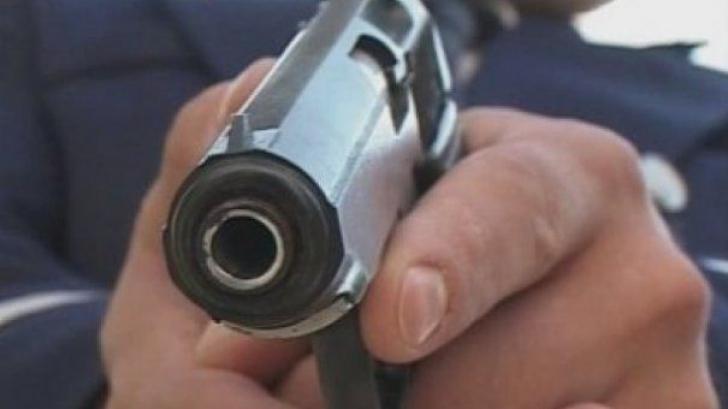 Tentativă de jaf oprită de polițiști, cu focuri de armă