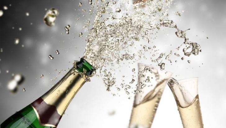 Cum puteţi folosi şampania rămasă de la Revelion
