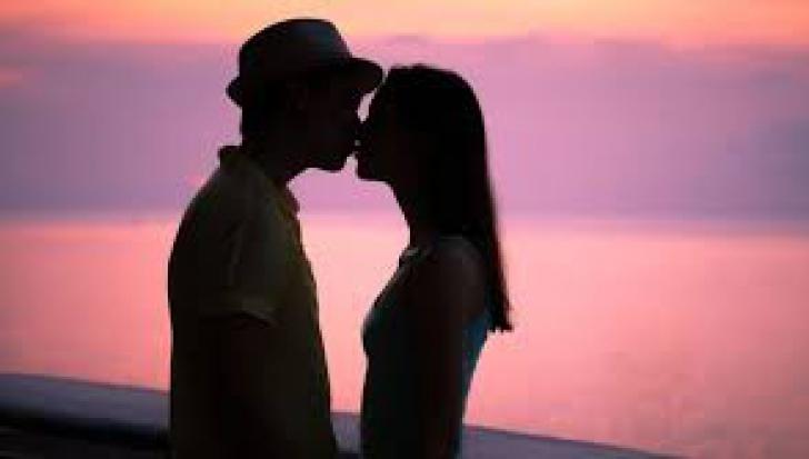 Efectele neștiute ale unui sărut. Este absolut uimitor