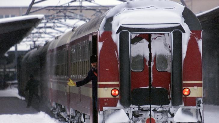 Trenul Bucureşti–Galaţi, blocat trei ore într-o staţie