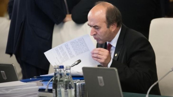 Toader, prins în corzi, la Bruxelles. Europarlamentarii, îngrijorați de România