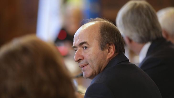 Toader, despre sesizarea CCR în cazul revocării lui Lazăr: Nu există altă cale de urmat