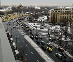 Peste 400 de taximetriști sunt la această oră în Piața Victoriei