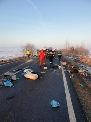 Accident grav în Suceava: doi morţi şi şapte răniţi. Planul roşu a fost activat!