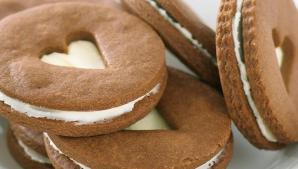 Cât zahăr conţin biscuiţii cu cremă. Nici nu îţi imaginezi cât de nesănătoşi sunt