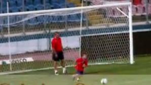 Ianis Hagi si Gica Hagi pe stadionul Steaua în 2007. VIDEO: Cristian Otopeanu