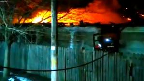 Incendiu violent în Olt: Un bărbat a ajuns la spital în stare gravă
