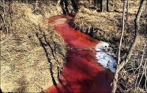 Secretul terifiant al râului de sânge