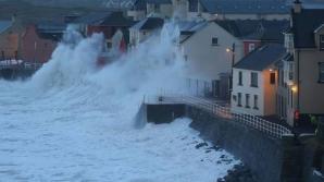 Atenţionare de călătorie pentru Irlanda: Furtuna Erik și cod portocaliu de vânt puternic