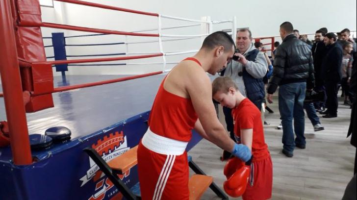 Sală de box inaugurată cu o invitație…pentru politicieni