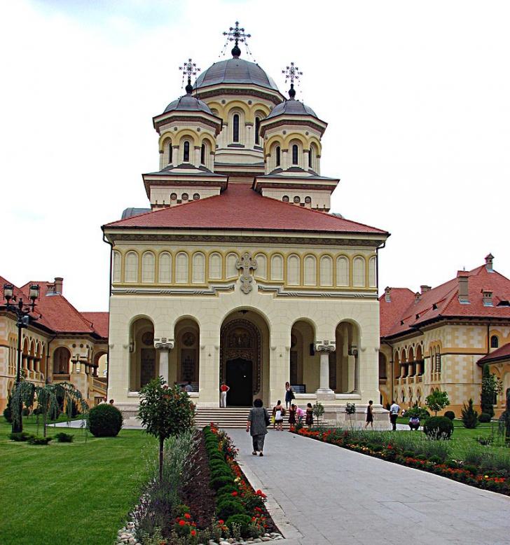 Suspiciuni de fals la cel mai înalt nivel în Arhiepiscopia Ortodoxă din Alba Iulia
