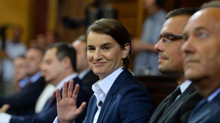 Partenera de viaţă a premierului Serbiei a născut