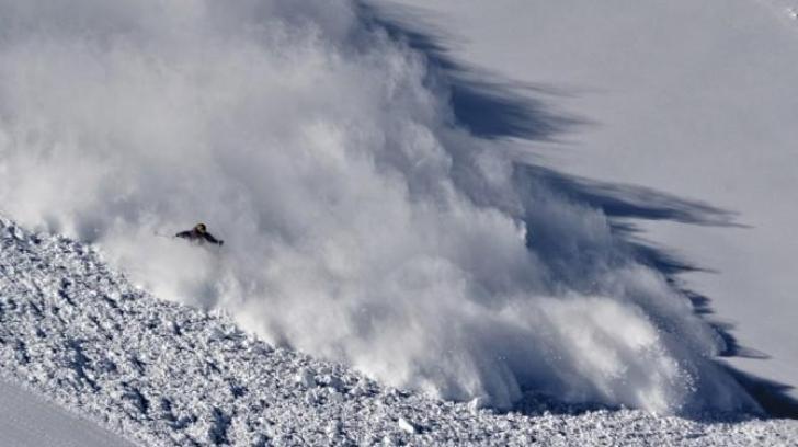 Alertă în munți: Risc maxim de producere a avalanşelor