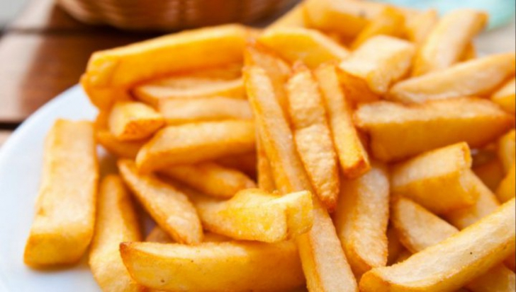 Ingredientul secret pe care să îl pui în cartofii prăjiţi