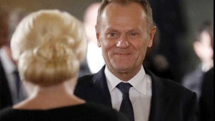 Donald Tusk și-a atras simpatia generală la București, ținându-și discursul în limba română