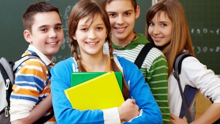 Elevii şi preşcolarii încep cursurile semestrului al doilea. Când e următoarea vacanţă