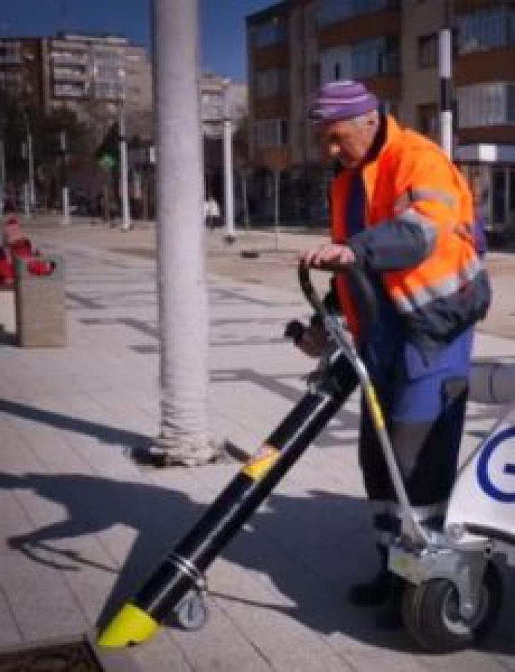 Aspirator urban electric, pe aleile din Hunedoara