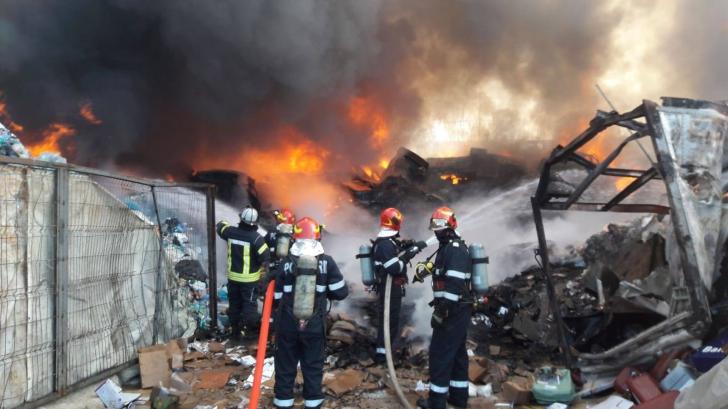 <p>Incendiu puternic lângă București! ALERTĂ EXTREMĂ prin RO-ALERT / Foto: Facebook ISU Bucuresti Ilfov</p>